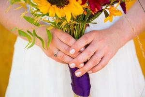 linda noiva no dia do casamento foto