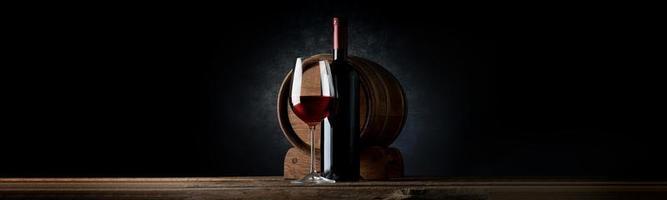 composição com vinho