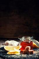 ingredientes para chá de gengibre foto