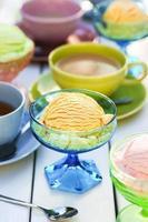 sorvete, sorvete e festa do chá foto