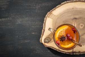 chá quente com laranja foto