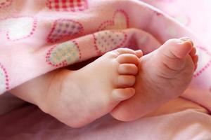 pés fofos de bebê