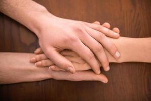 algumas mãos