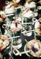 aperitivo saboroso de camarão e rúcula, tonificado