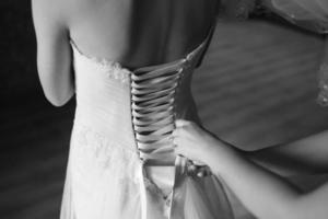 manhã nupcial mágica. noiva se preparando foto