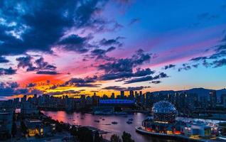 Vancouver ao pôr do sol foto