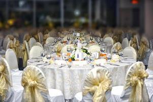 mesas dos convidados do casamento foto