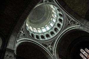 dentro da basílica do sacre coeur foto