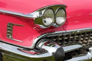 carro americano clássico rosa
