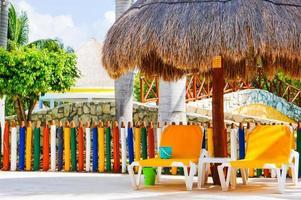 lounge na piscina infantil foto