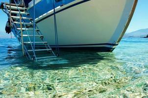 escada de barco foto