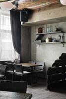 restaurante europeu em cores brilhantes