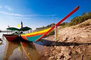 barcos de turismo no rio mekong