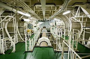espaço da sala de máquinas da embarcação (navio) foto