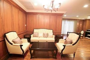 sala de estar com um luxuoso