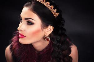 retrato de uma linda princesa luxuosa foto