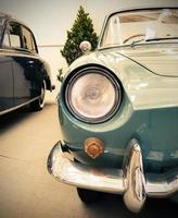 detalhe no farol de um carro antigo foto