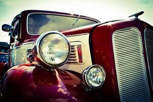 vista frontal do carro antigo foto