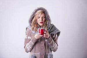 garota de inverno com peles foto