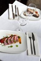 pratos de peixe foto