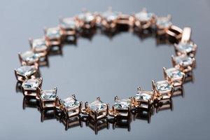 pulseira de joias com diamantes