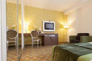 interior moderno de quarto de hotel