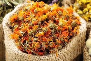 flor de calêndula seca foto