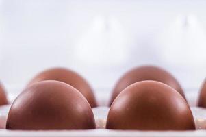 quatro ovos em um pacote foto