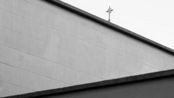cruz no telhado