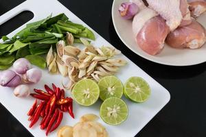 ingredientes da sopa tailandesa tom yum