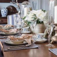 mesa de jantar luxuosa foto