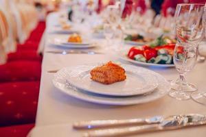 comida de recepção de casamento foto
