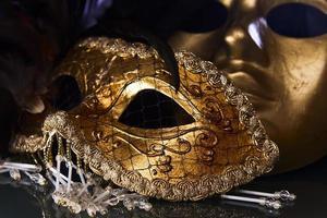 máscaras venezianas de ouro velho