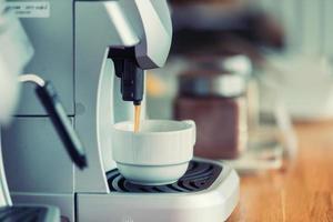 cafeteira o café pode ser uma variedade de pratos foto