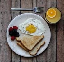 café da manhã simples foto