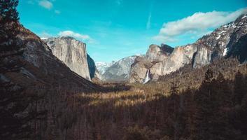 paisagem no parque nacional de yosemite foto