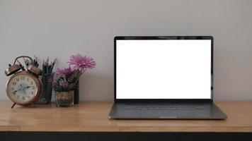 laptop no escritório foto