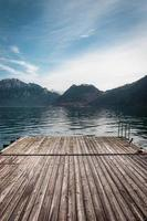 lago nas montanhas foto