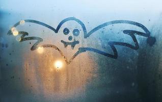desenho de morcego de névoa de janela