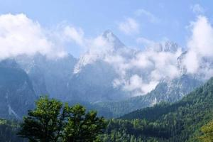 paisagem de montanha alpina foto