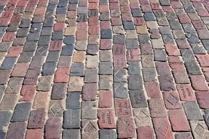 estrada de tijolos velha foto