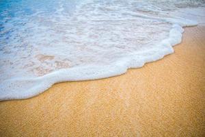 praia de areia marrom