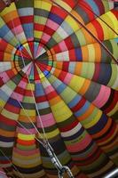 balão de ar quente colorido