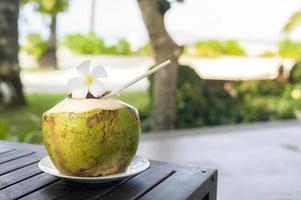 bebida de coco verde
