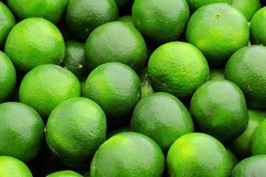 frutas cítricas de limão foto
