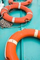 bóia circular no barco