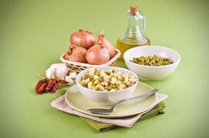 sopa de ervilha e macarrão. foto