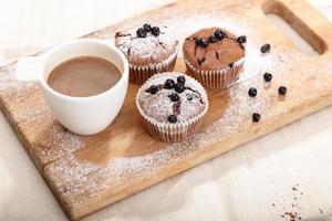 deliciosos bolos de chocolate foto