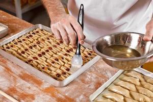 preparação de doces turcos e iranianos baklava foto