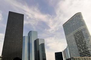 edifícios modernos no novo centro de paris foto